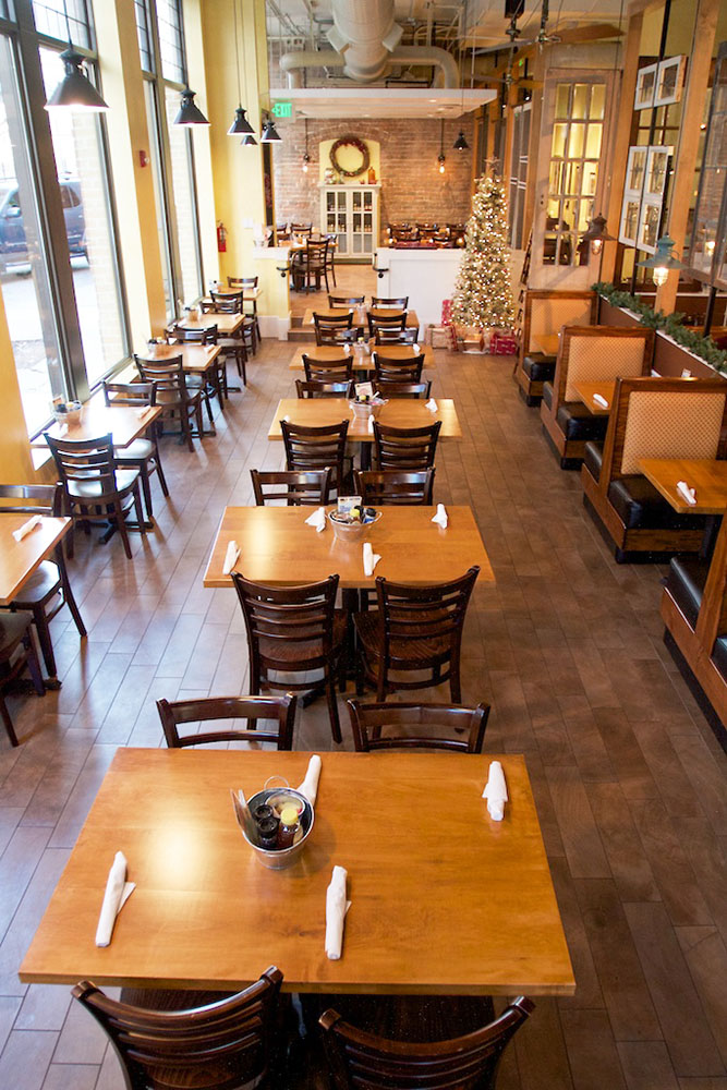 Tupelo Honey Café Knoxville is located near UT Knoxville and the Knoxville Zoo.